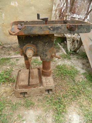 Antigua perforadora Fundicion
