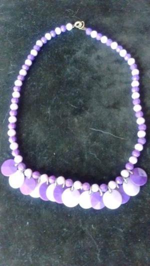 fd2f1954da15 Conjunto collar y aros violeta nuevos
