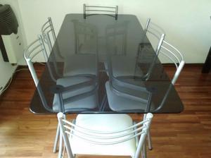 Mesa de vidrio con 6 sillas