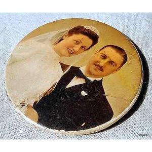 antiguo espejo de cartera recuerdo de casamiento foto select