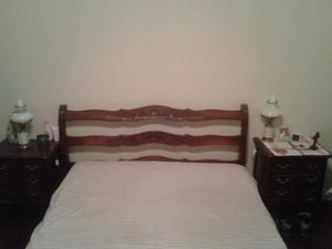 cama de 2 plazas y 2 mesitas de luz estilo provenzal