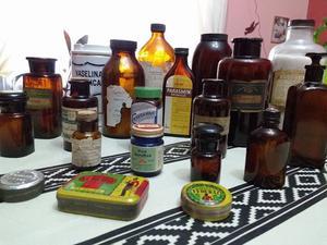 Frascos de farmacia antiguos