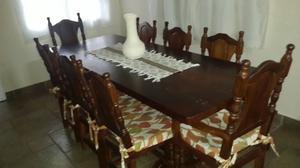 Vendo conjunto de mesa de algarrobo con 8 sillas