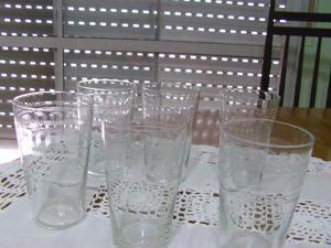 Vendo vasos pequeños tallados