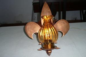 lampara de pared flor de lis única