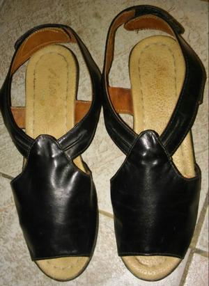 Sandalias de cuero.como nuevas. 38.