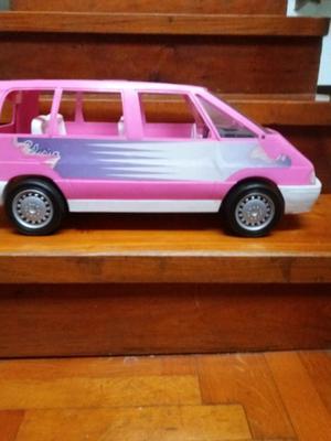 Camioneta tipo van de juguete para nena