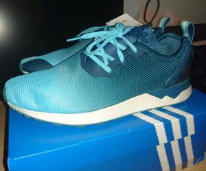 Vendo Zapatillas Adidas N 41,5 nuevas originales