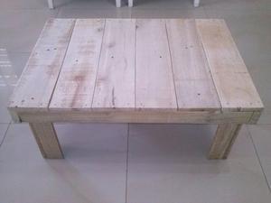 Vendo mesa ratona de madera estilo rústico de 90 cm x 60