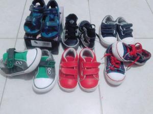 Zapatillas para niño en excelente estado, muy poco uso.