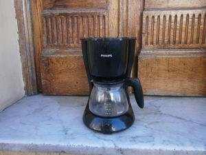 cafetera philips modelo HD  pierde agua