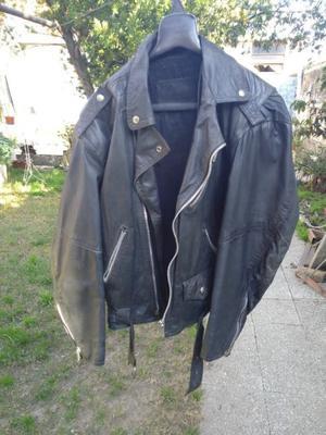 Campera de cuero 100% Motoquero marca Efece