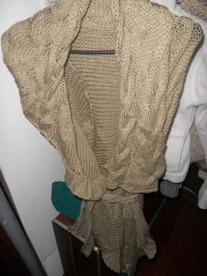 Campera tejida con trenzas en el cuello - TALLE