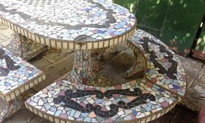 Juego de Mesa y Bancos de Jardin Cemento y azulejos