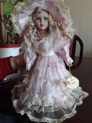 Muñeca de porcelana con traje de época, veneciana, 35 cm