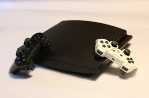 Playstation 3 + 2 Controles + 7 Juegos ¡¡usada