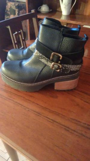 Vendo botas batistella número 38