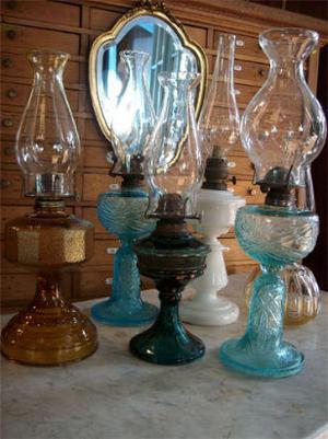 antiguas lámparas de aceite