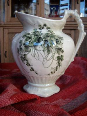 jarra de loza inglesa