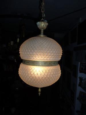 Antigua lámpara colgante bronce y vidrio, excelente