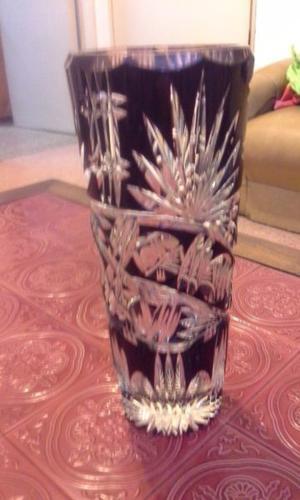 Bellísimo florero de cristal tallado San Carlos, vintage