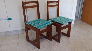Dos sillas de algarrobo