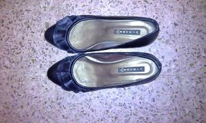 Hermosos zapatos de mujer de cuero