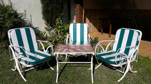 Juego de sillones hamaca y mesa de hierro