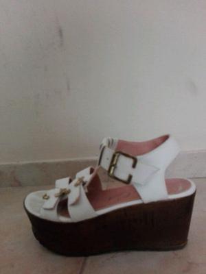 Sandalias blancas número 36 dos usos
