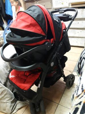 Vendo cochecito disney cars de bebe con huevito