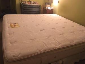 Vendo espectacular cama con colchon, casi sin uso, por