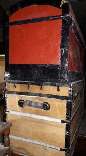 Antiguo Baul / Ideal decoración o guardado / Descuento de C