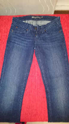 Jeans Levis mujer talle 1/25 usa demi curve, bootcute