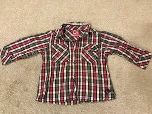 Vendo 2 camisas para niño de 18 a 24 meses impecables