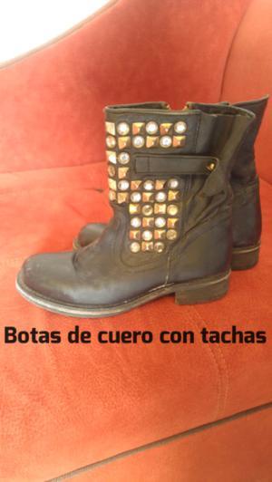Vendo botas de cuero negras