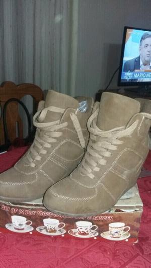 Zapatos de gamuza con taco