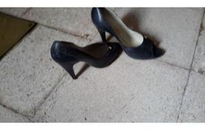 zapatos de cuero azul usado en tres oportunidades. número
