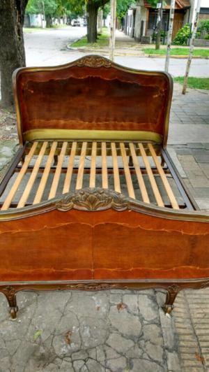 Antigua cama Luis 15 en madera de Roble