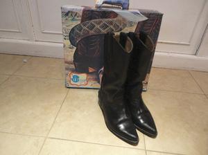 Botas tejanas de mujer, cuero negro. Marca JR n° 35 con