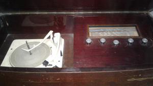 Combinado tocadisco antiguo
