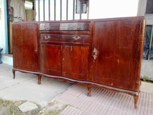 Mueble antiguo de 2 metros