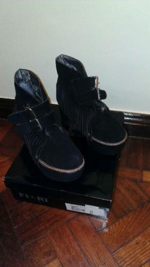 Zapato Alto con flecos y hebillas- Imperdible!!!