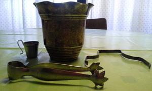 liquido hielera antigua de bronce