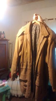 vendo chaqueta en cuero de nobuk como nueva