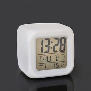 Reloj Despertador Digital Cubo Led Cambia Color Temp - Fecha