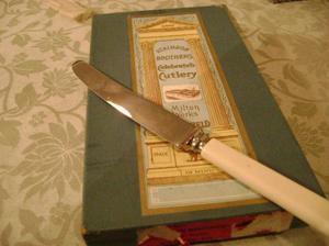 antiguo juego de cuchillos para mesa ingleses