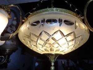 Bella lámpara colgante, araña bronce. Antigua Saudade
