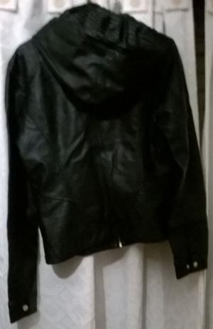 Campera simil cuero con abrigo y capucha envio gratis