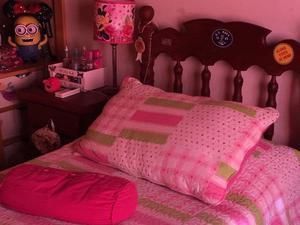 Juego de dormitorio de Algarrobo