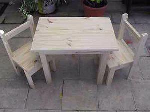 Regalo ideal para el día del niños. Silla y mesa de madera